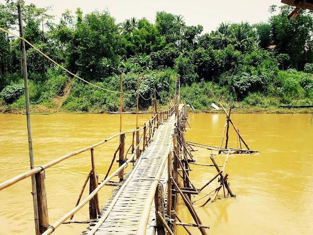 luang prabang puente bambu