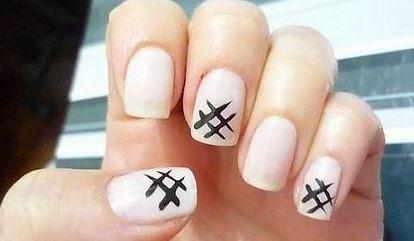 Step By Step tac-toe Nail Art Designs For Short Nails ...