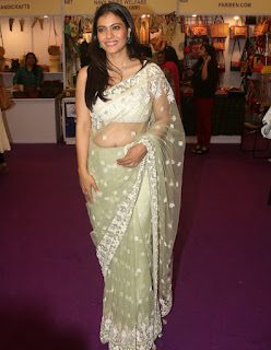Beautiful Indian Model Kajol In Transparent Green Saree (3)