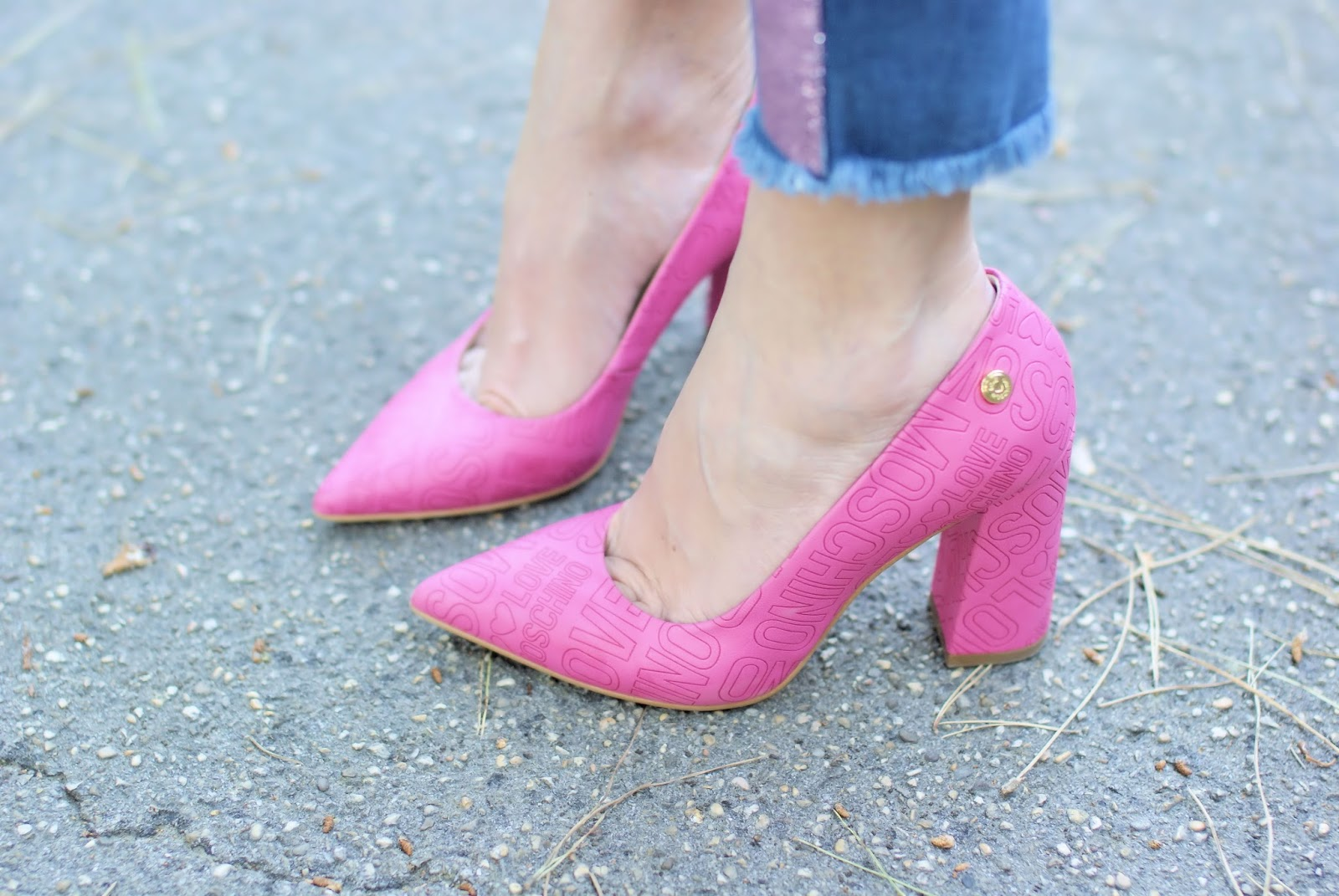 Love Moschino pink shoes on Fashion and Cookies fashion blog, fashion blogger style
