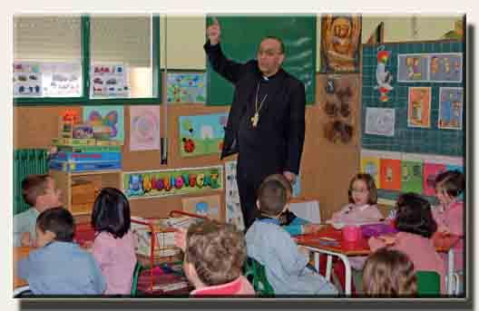 Píldoras Anti-Masonería: La educación católica en España: menos del 4% de los jóvenes entre 18 y 24 años practican la religión; y los que no creen en nada alcanzan el 48%, por