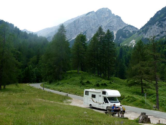 Foto de la La autocaravana de alquiler en Eslovenia. Paso de Vrisic | caravaneros.com