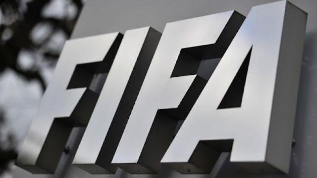 H FIFA απειλεί με αποκλεισμό το ελληνικό ποδόσφαιρο