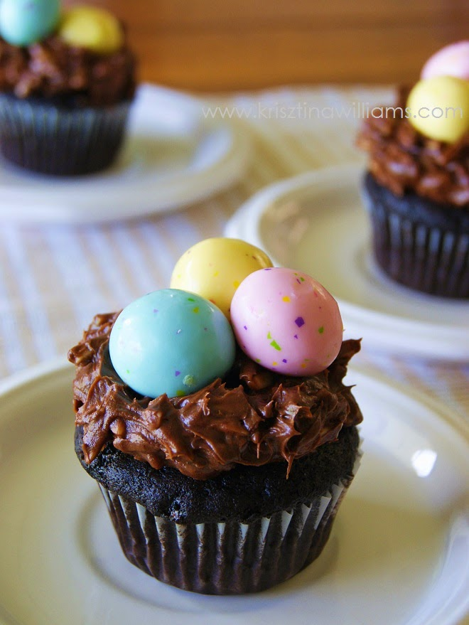http://www.krisztinawilliams.com/2015/04/easy-robins-egg-easter-cupcakes.html