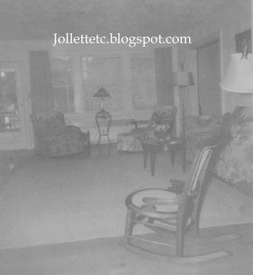 Helen Parker's living room 1953 http://jollettetc.blogspot.com