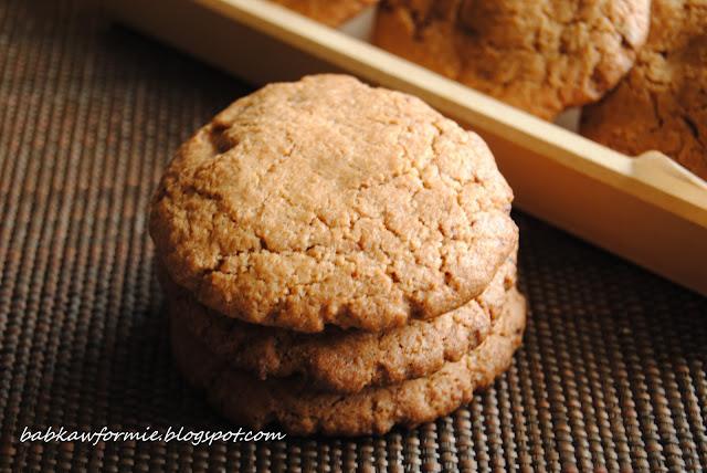 ciasteczka orkiszowe z kawałkami czekolady babkawformie.blogspot.com