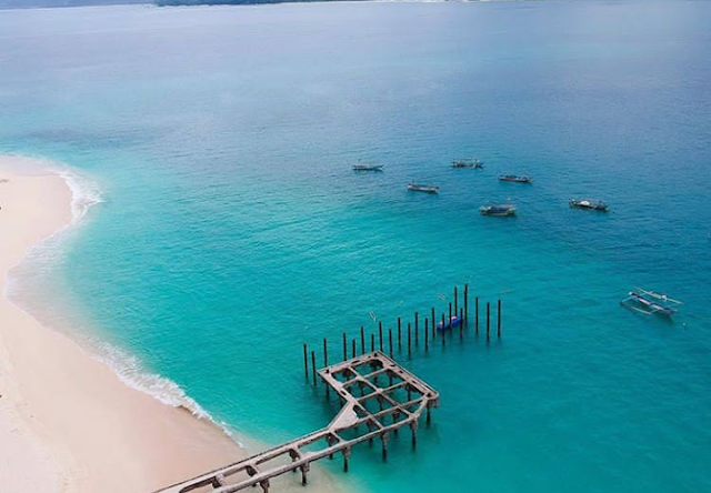 Pantai Dermaga Lampung