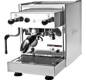 membuat-espresso-dengan-mesin.jpg