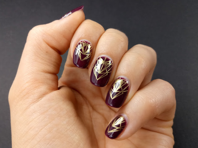 Red fall autumn nails
