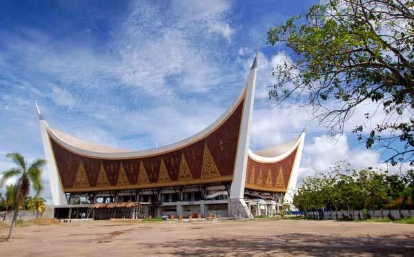 1. Masjid Raya Sumatera Barat