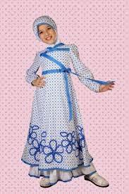 gambar anak kecil cantik memakai busana muslim
