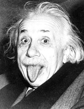 Imagen de Albert Einstein con gesto gracioso