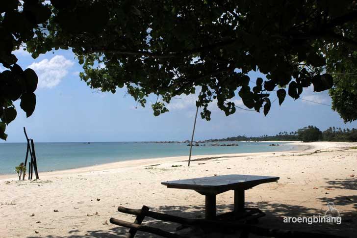 pantai mabai belitung