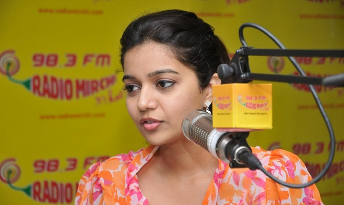 Swathi cute at radio mirchi