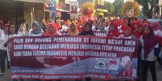 Massa Komite Pedagang Pasar Hadiri Kampanye Akbar Jokowi di GBK