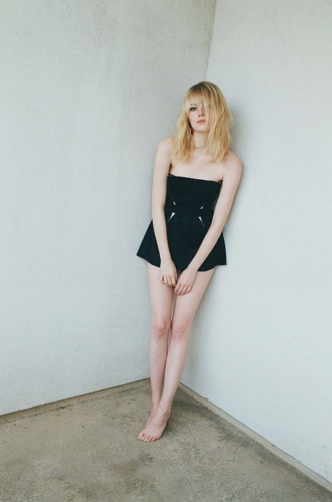 emma stone sexy pics in w magazine 02