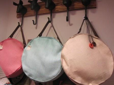 Bolsos redondos de verano, en más colores