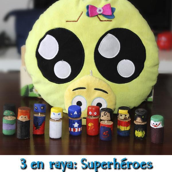 Juego de corchos: Tres en raya con superhéroes de Marvel y DC