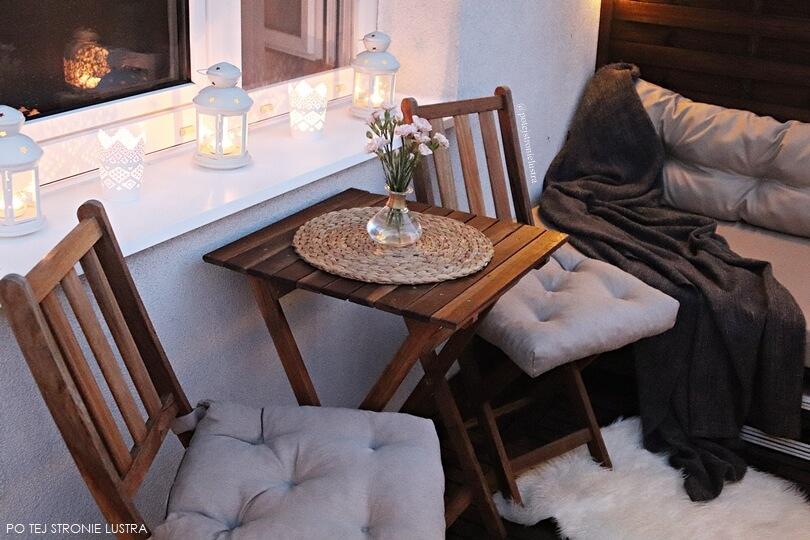 zestaw drewnianych mebli balkonowych