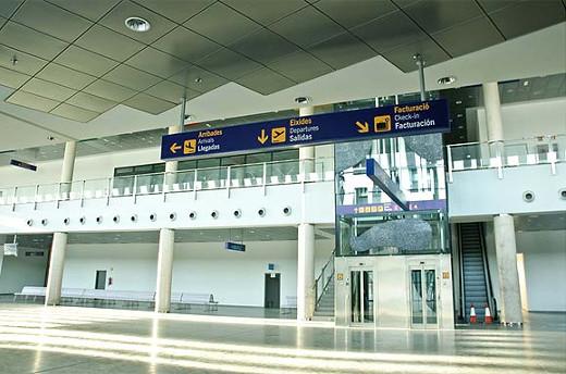 Más de 1.400 escolares han visitado el aeropuerto de Castellón en el presente curso a través del programa 'l'Aeroport al col·le'