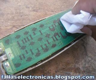 limpieza de un mando a distancia