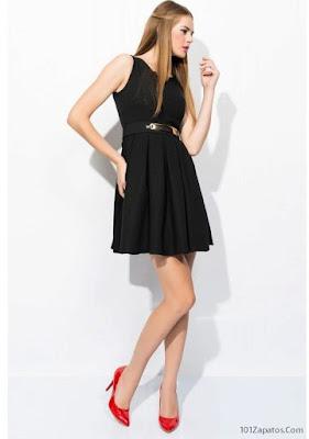 Vestido negro y Zapatos Rojos