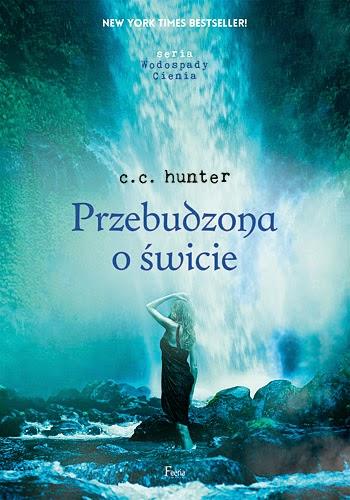 http://ksiazkomania-recenzje.blogspot.com/2014/11/przebudzona-o-swicie-c-c-hunter.html