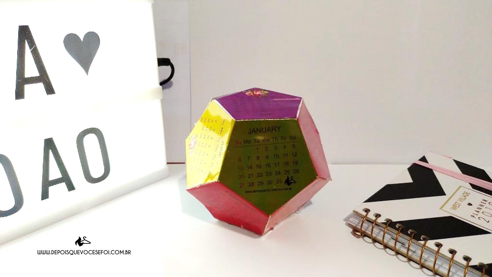 Calendário hexagonal grátis para imprimir e montar!