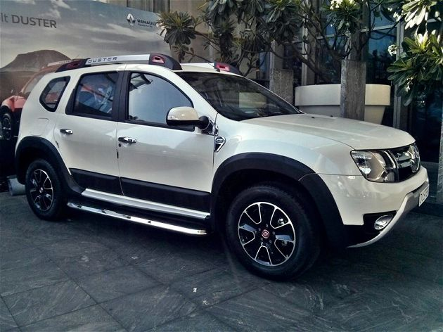renault launches new renault duster facelift with prices starting at inr. Black Bedroom Furniture Sets. Home Design Ideas