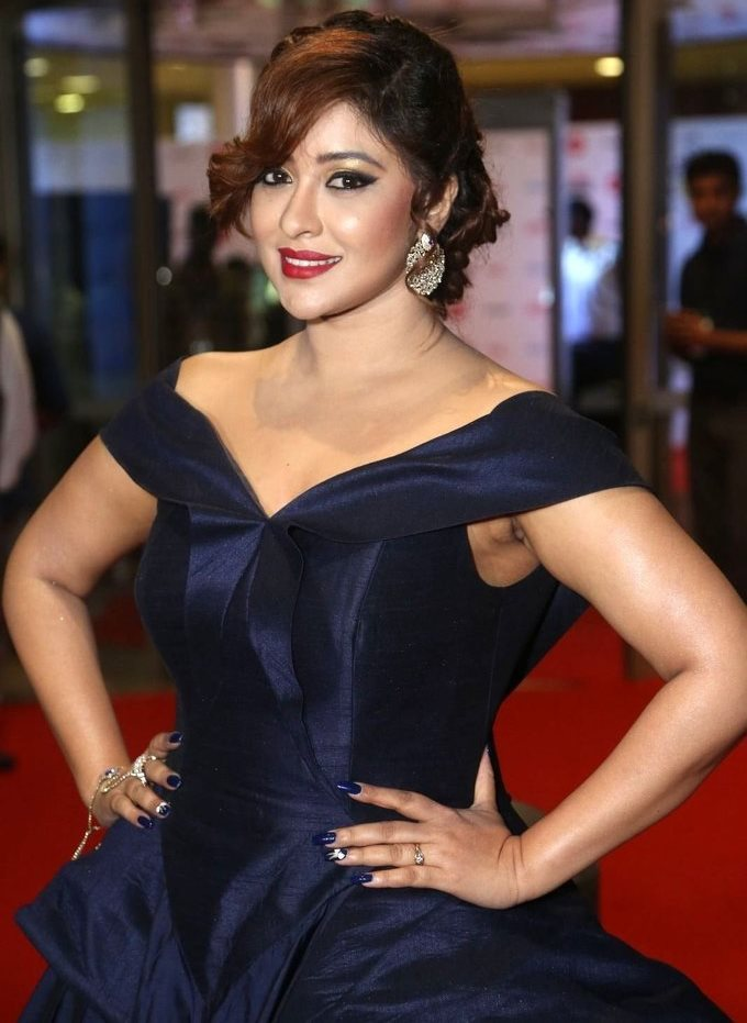 Payal Ghosh In Blue Dress At Jio Filmfare South Awards 2017