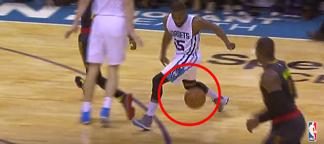 Kemba Walker's CLUTCH Behind The Back Dribble to the Spinning Layup (VIDEO)