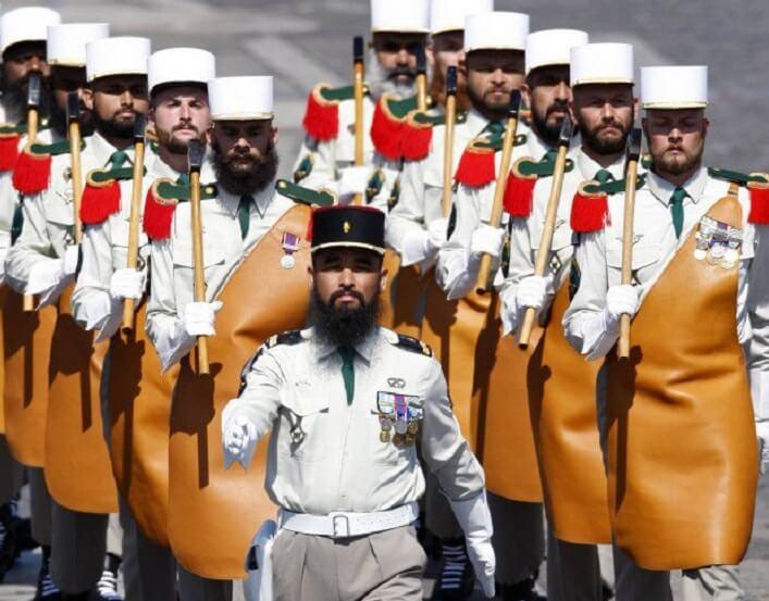 Pakaian Seragam Tentera Pelik