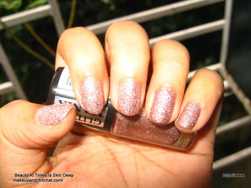 Maybelline Glittermania Colorshow in Pink Champagne in Flash