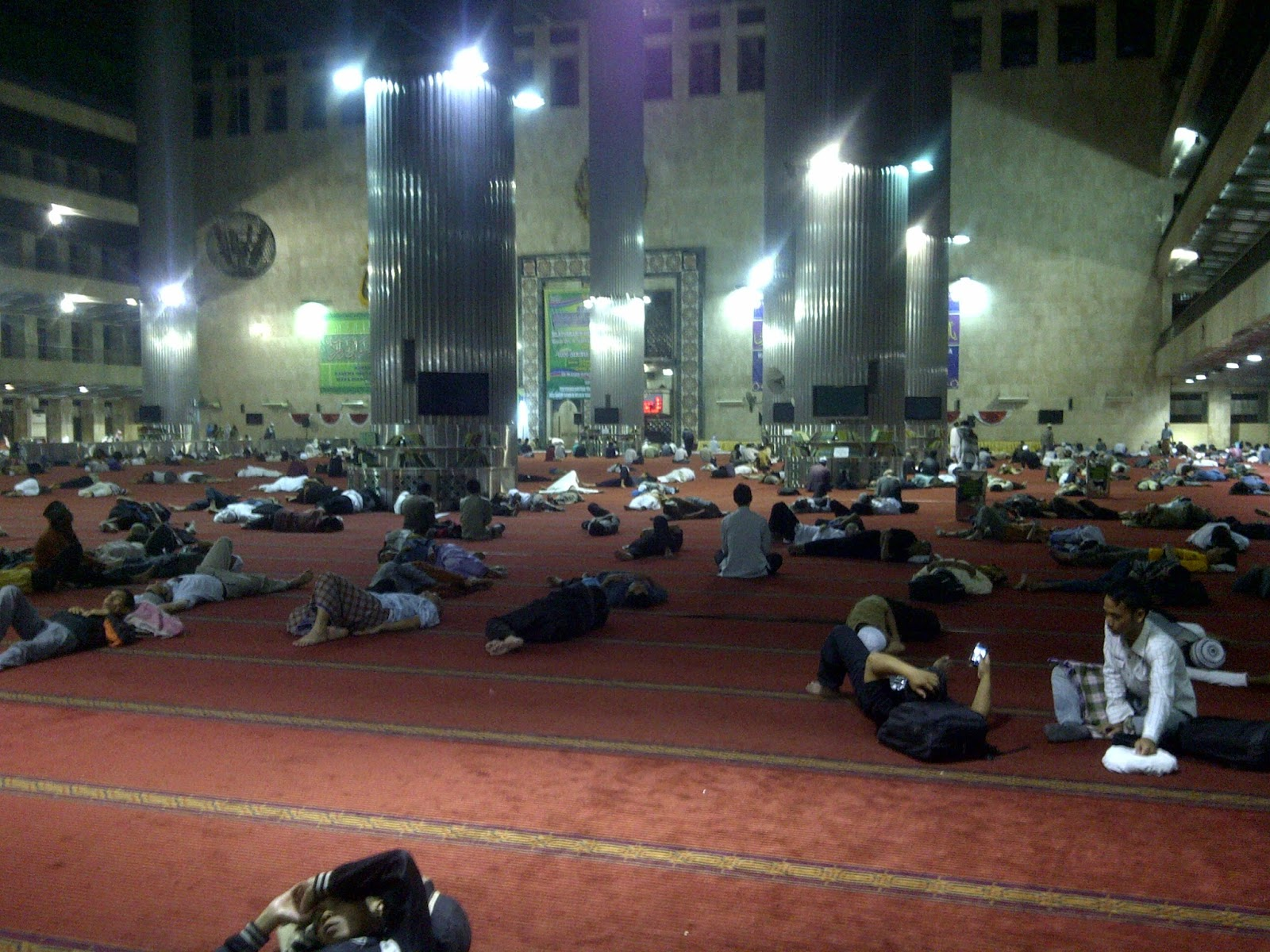 Beda dengan Sebelumnya, Masjid Istiqlal tak Sediakan Sahur untuk Peserta Iktikaf di Ramadhan Kali Ini