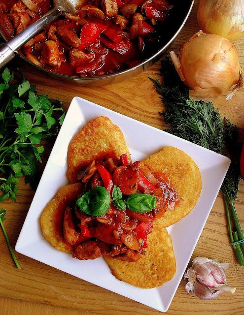 Placki po węgiersku z kurczakiem / Potato Pancakes with Chicken Goulash