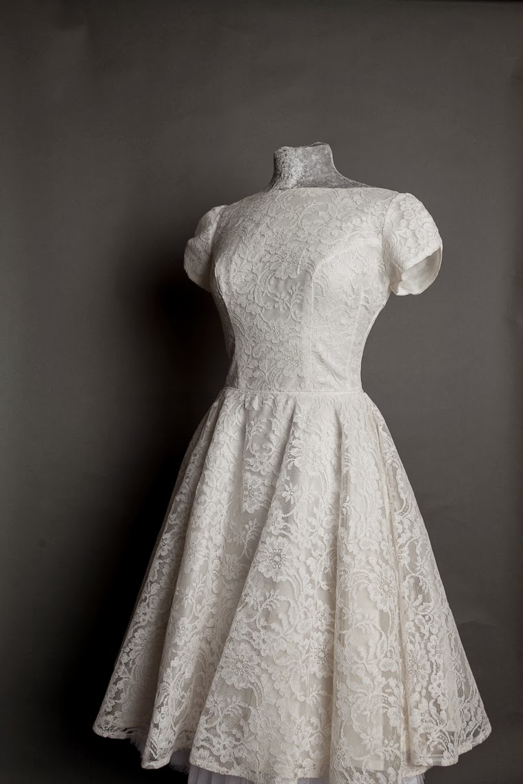 Gorgeous vintage 1950s lace wedding dresses, new on my ...