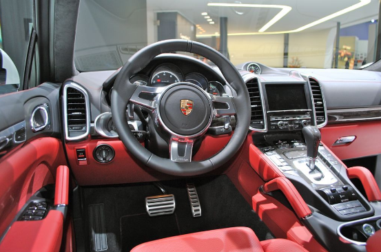 2017 Porsche Cayenne GTS Review
