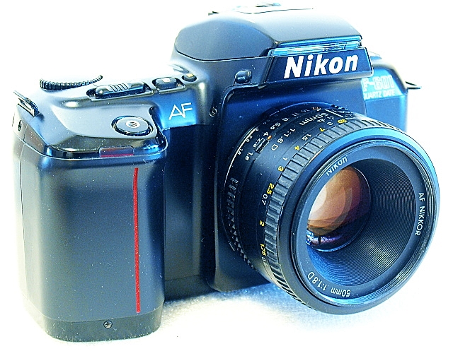 Nikon F-601, AF Nikkor 50mm F1.8 D, Front right
