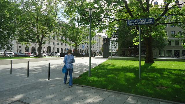 Platz der Opfer des Nationalsozialismus – Praça das Vítimas do Nacional Socialismo O que ver em Munique Alemanha