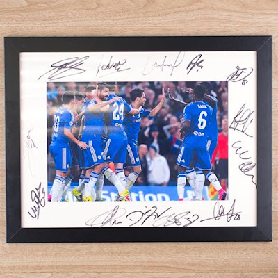 Chelsea Signed team photo_Hochanda