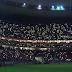 Apagão paralisa Fla x Vasco e torcedores iluminam estádio com celulares