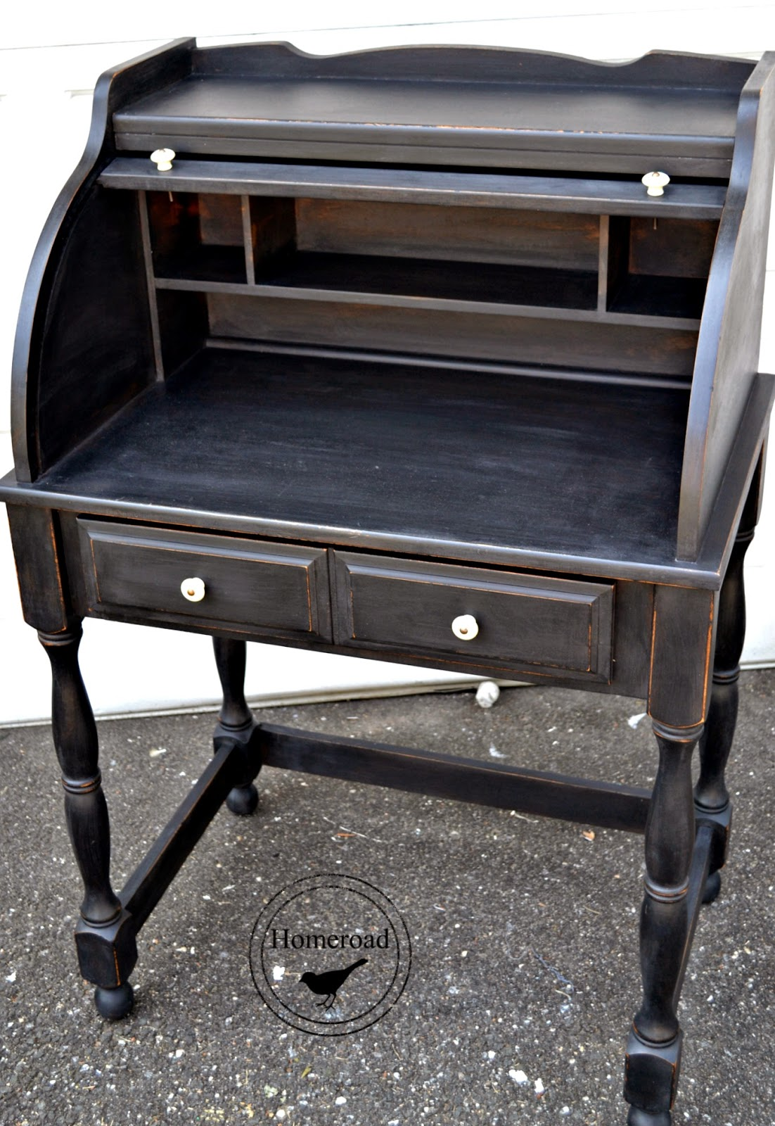 roll top desk with typewriter homeroad. Black Bedroom Furniture Sets. Home Design Ideas