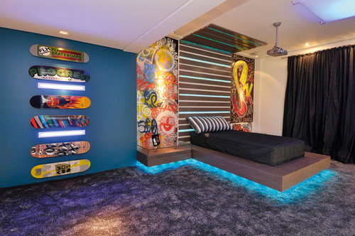 Dormitorio para jovencito adolescente con skates y for Cuarto universitario