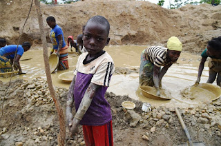 child gold miner , miner, katanga, labour child, travail enfants