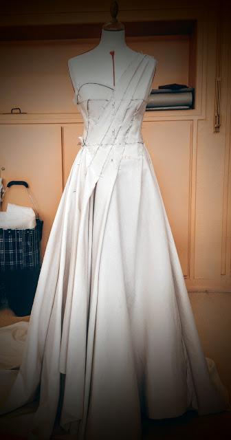 Robes de mariée sur mesure par couturière créatrice à Versailles