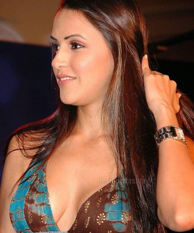 Neha Dhupia Sexy  Model Babe Full Naked-5227