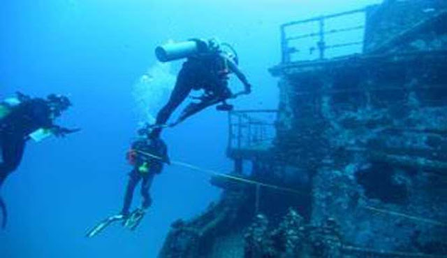 Indonesia diving season