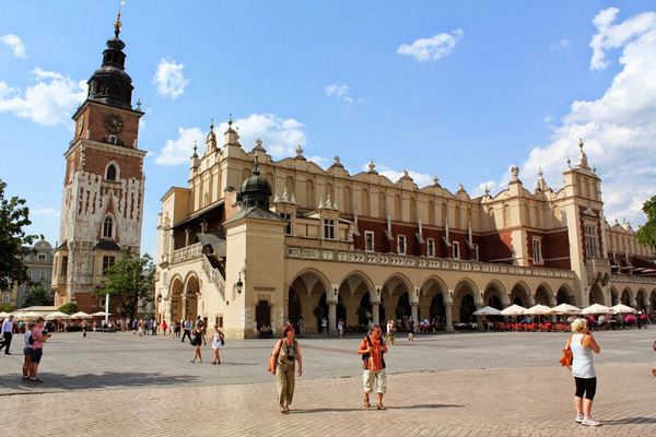 Torre del Ayuntamiento (Cracovia, Polonia)