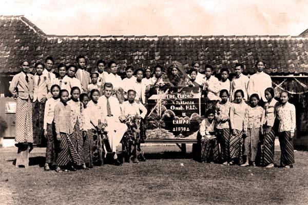 Gaji Guru Pada Masa Hindia Belanda