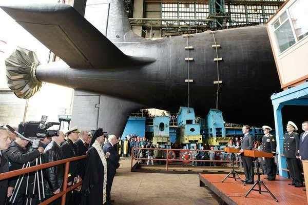 Kapal Selam Terbesar Di Dunia